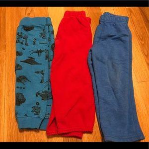 Lot of three sweatpants size 2t